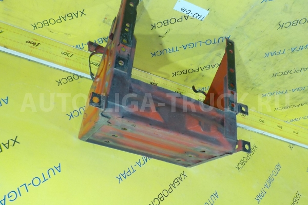 Крепление АКБ Mazda Titan 4HG1 Крепление АКБ 4HG1 1999  W089-38-510A