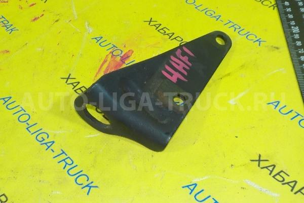 Кронштейн Mazda Titan 4HF1 Кронштейн 4HF1 2001  YJ21-10-561