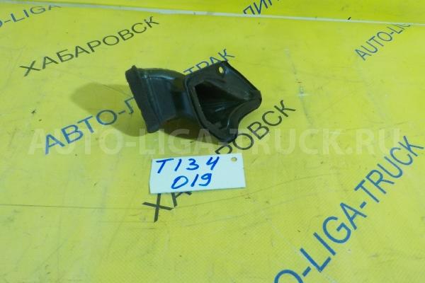 Патрубок воздуховода Mazda Titan 4HF1 Патрубок воздуховода 4HF1 2001  W620-60-182