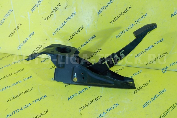 Педаль сцепления Mazda Titan 4HF1 Педаль сцепления 4HF1 2001  W631-41-030