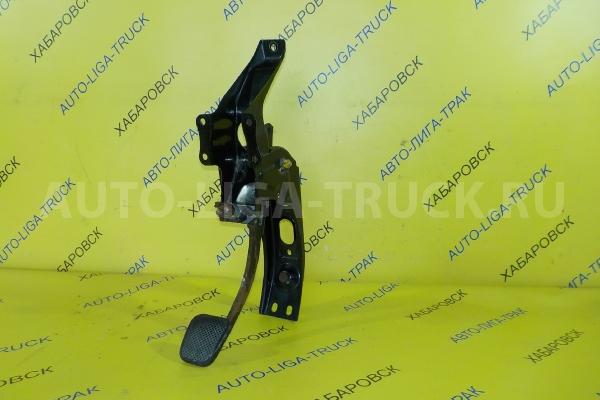 Педаль сцепления Mazda Titan 4HG1 Педаль сцепления 4HG1 2002  W631-41-030