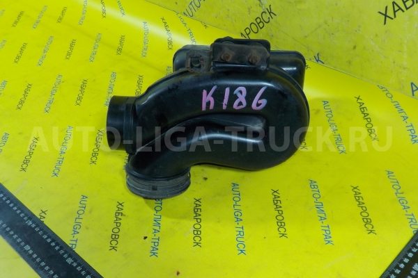 Резонатор воздушного фильтра Mitsubishi Canter 4M40 Резонатор воздушного фильтра 4M40 2003  ME432185