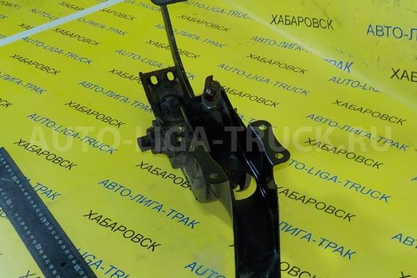 Педаль сцепления Mazda Titan 4HG1 Педаль сцепления 4HG1 2000  W620-41-300D
